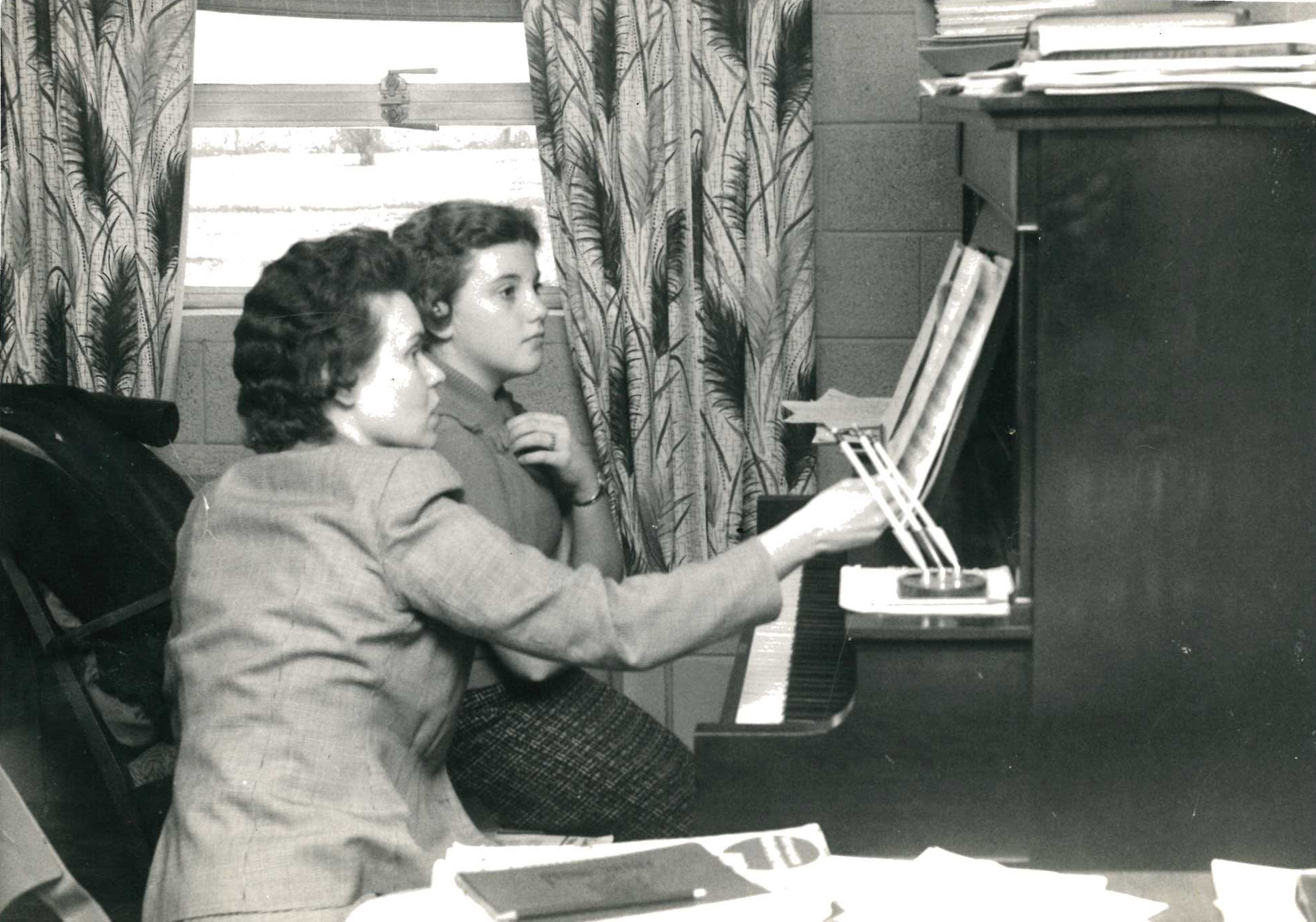 Claudia Boldon teaching piano lesson 1961